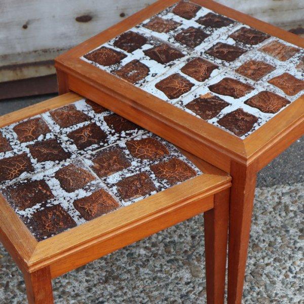 立体的なヴィンテージタイルの2台セット! Teak Nesting Table