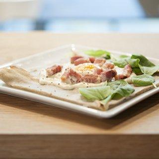 『LE COFFRET DE COEUR - 白金本店』チーズ香るカルボナーラガレット