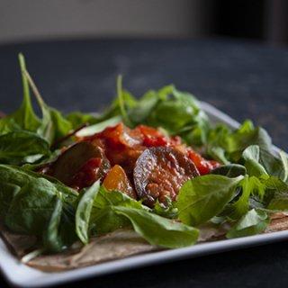 『LE COFFRET DE COEUR - 白金本店』夏野菜のラタトゥイユ風トマト煮ガレット
