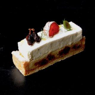 2015AW新作 FAR BRETON / ファーブルトン(ドライフルーツとゴルゴンゾーラ 香草の香り)販売終了
