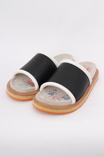 souvenir sandal / black×white×orang