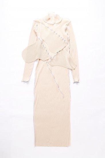 kotohayokozawa / pleats dress (long-sleeve high neck)/beige
