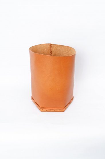 eatable of many orders / Cylinder Leather Box /camel
