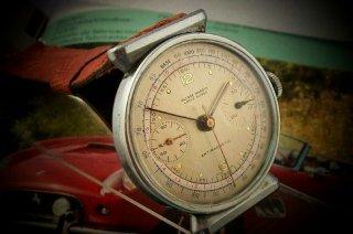 素晴らしいヴィンテージ ユリスナルダン クロノグラフ 時計 珍しいラグ付き 1945年
