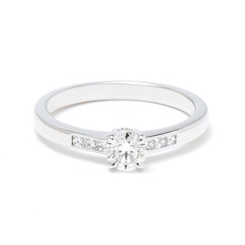 solitaire ring / side princes diamond