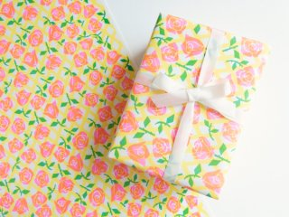 <img class='new_mark_img1' src='https://img.shop-pro.jp/img/new/icons14.gif' style='border:none;display:inline;margin:0px;padding:0px;width:auto;' />【WRAPPING PAPER】】Rose