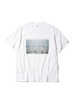 <img class='new_mark_img1' src='https://img.shop-pro.jp/img/new/icons14.gif' style='border:none;display:inline;margin:0px;padding:0px;width:auto;' />RADIALL BAKERS FIELD - CREW NECK T-SHIRT S/S WHITE