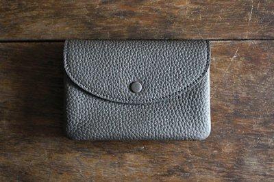 【再入荷】STUDIO LA CAUSE スタジオラコーズ  内縫いフラップ財布M・CHARCOAL GRAY