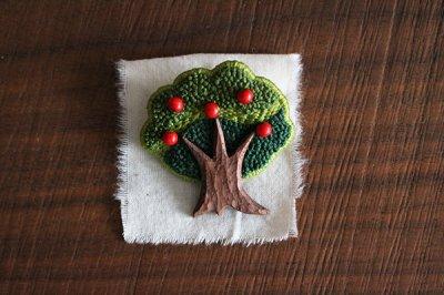 kiitos works ブローチ(apple tree)