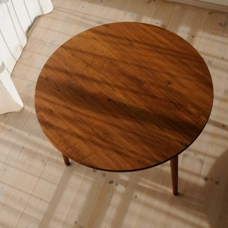 丸ダイニングテーブル3本脚(直径90cm)