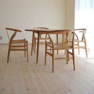 丸ダイニングテーブル4本脚(直径120cm)
