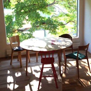 丸ダイニングテーブル4本脚(直径140cm)