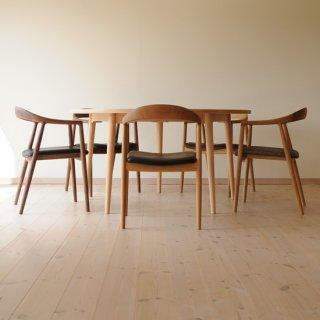 丸ダイニングテーブル5本脚(直径135cm)