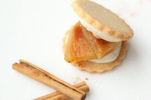 オーブンでじっくり 無農薬の焼きりんごと有機シナモン 『アップルシナモン』