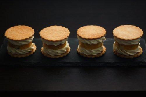 無農薬トロピカルフルーツのアイスクッキーサンド レアチーズクリーム