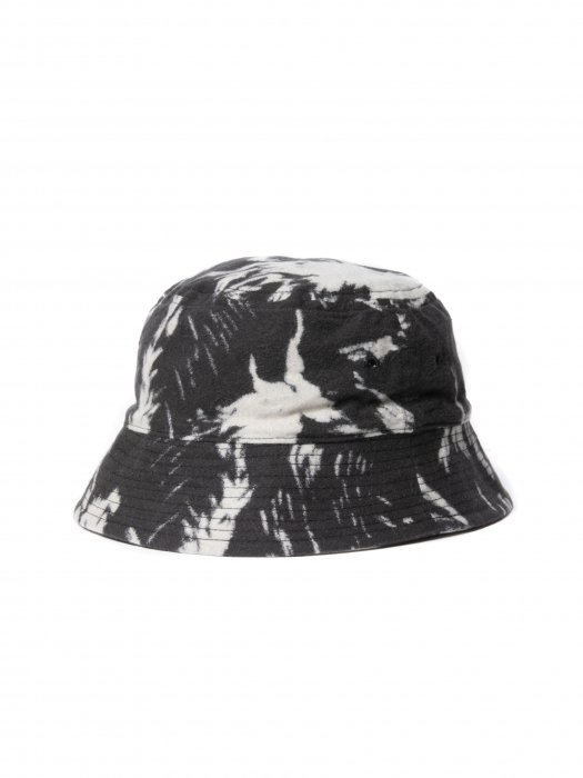 <img class='new_mark_img1' src='https://img.shop-pro.jp/img/new/icons14.gif' style='border:none;display:inline;margin:0px;padding:0px;width:auto;' />COOTIE / Wolf Print Nel Bucket Hat