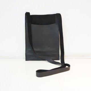 GUIDI SOFT HORSE FULL GRAIN PASSPORT BAG(PKT1)