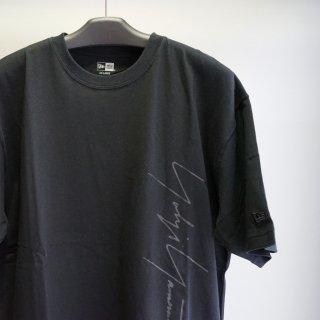 YOHJI YAMAMOTO HOMME  SS21 シグネチャーロゴ アートワーク コットン Tシャツ(HD-T99-083)