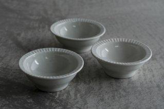 阿部春弥 白磁縁しのぎ3.5寸鉢