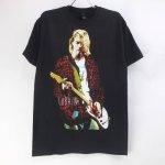 (M) ニルヴァーナ KURT  RED JACKET GUITAR PHOTO Tシャツ(新品) オフィシャル 【メール便可】
