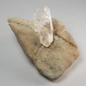 クォーツ w/母岩