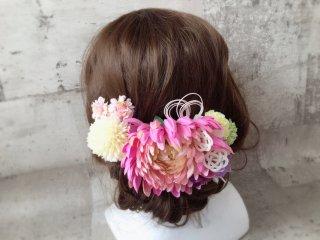 ピンクマムと水引の和装髪飾り