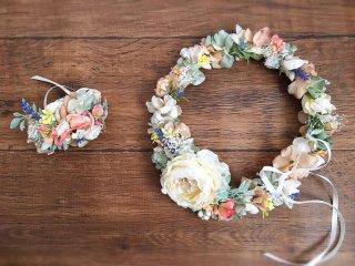 サーモンピンクとくすみグリーンの花冠&リストブーケ2点セット