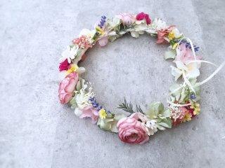 春の花畑のような花冠