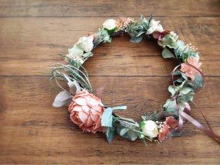 サーモンピンクのピオニーの花冠