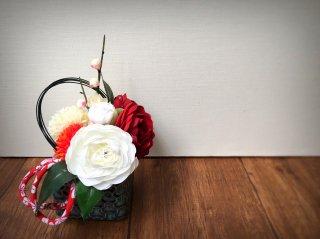 椿の正月飾り(青碧色)