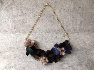 花びらのネックレス(天然羽根ブラック)