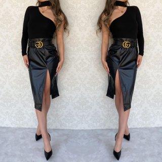 スリットレザータイトスカート