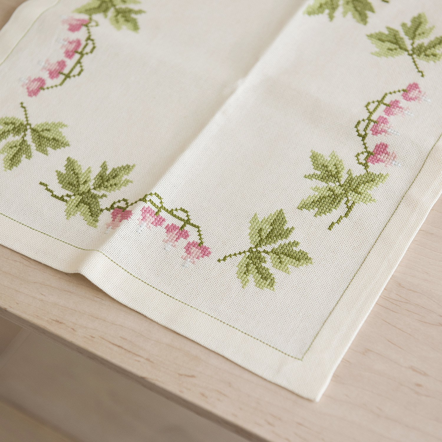 Floral cross stitch embroidery table cloth