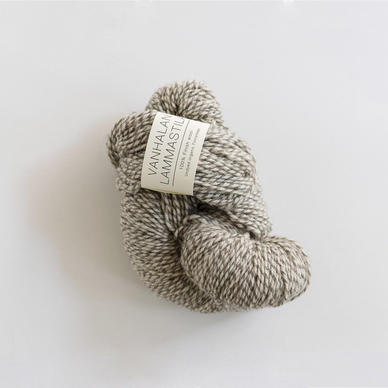 VANHALAN LAMMASTILA <br> フィンランドシープの毛糸 white×grey