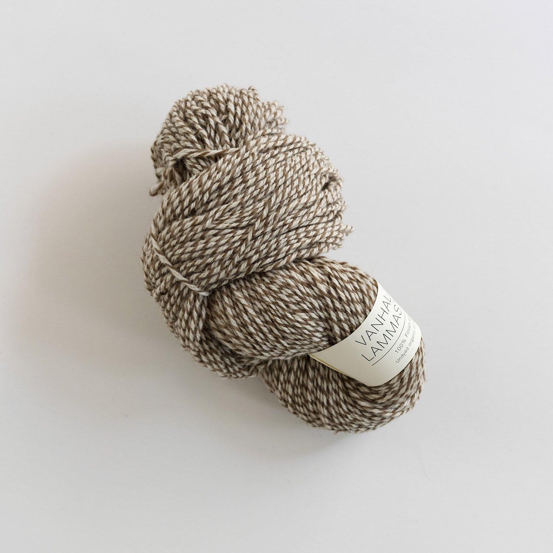 VANHALAN LAMMASTILA <br> フィンランドシープの毛糸 white×brown