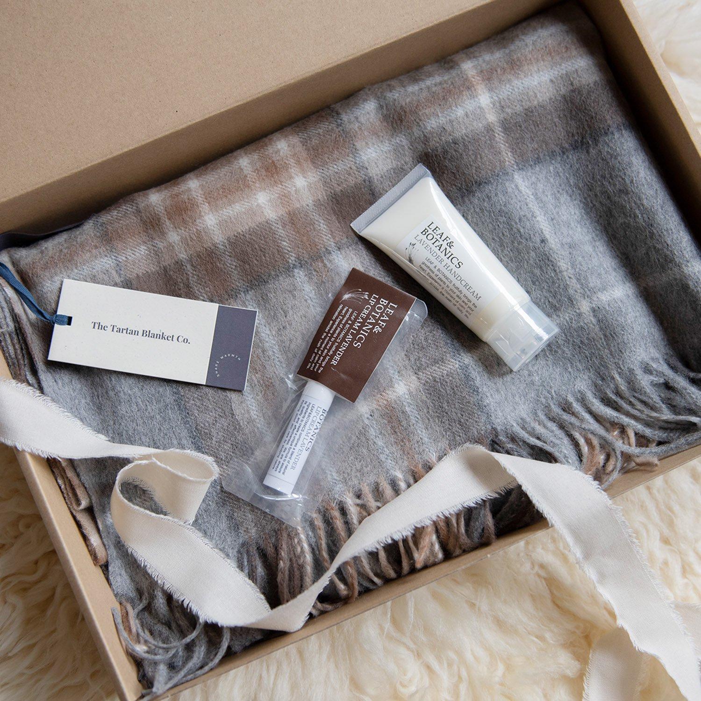[GIFTSET]ブランケットスカーフ Mackellar Tartan & ボディケア ギフトセット