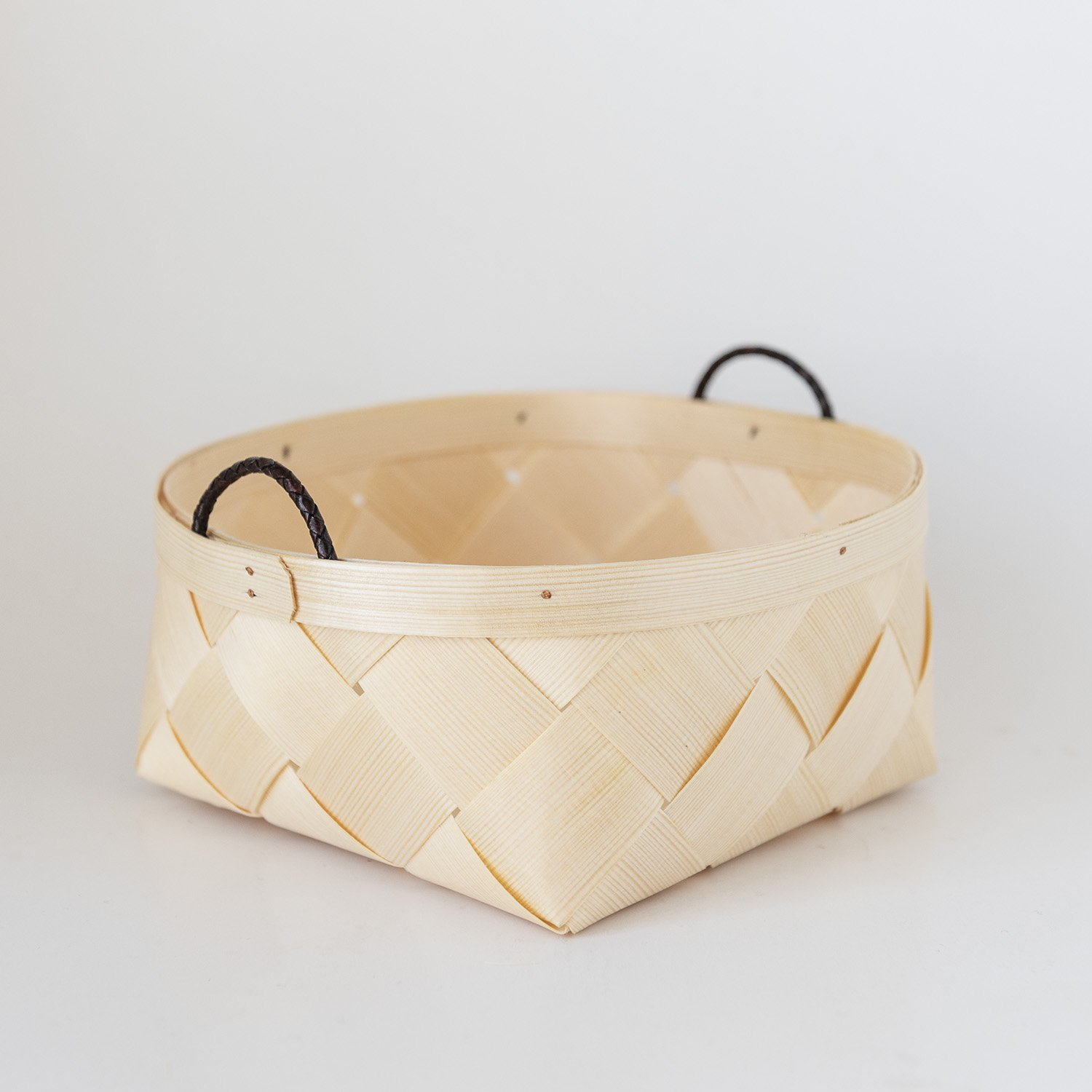 Basket With Leather Ribbon (L)