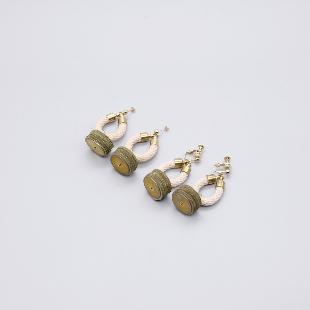 F&F <br />LEAVES & ROPE ROUND TOWER<br /> [ピアス・イヤリング]