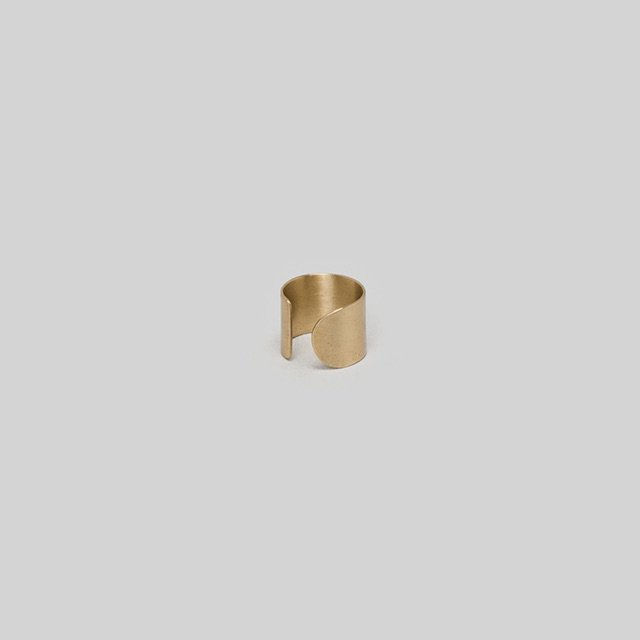 _Fot<br />plate earring_circle (ear cuff)