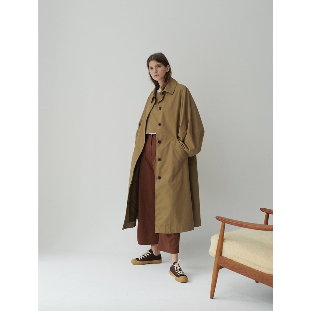 STUDIO NICHOLSON<br />Tadao Coat In Almond