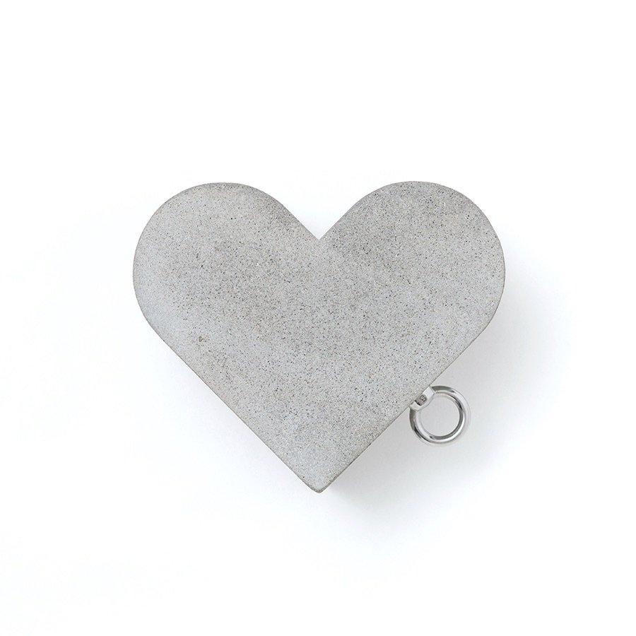 E&Y<br />CONCRETE HEART