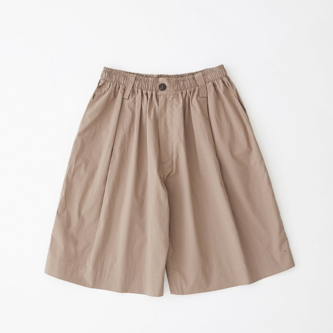 STUDIO NICHOLSON<br />ROMI SHORT PANTS IN CLAY