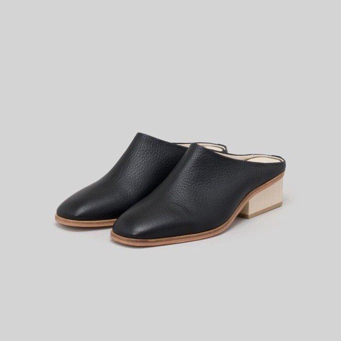 _Fot<br />wood heel mule_shrink (square)