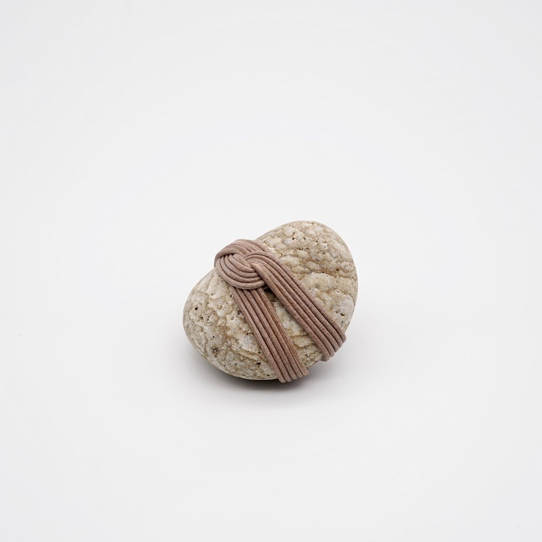 HOW TO WRAP_<br />Wrapped stone [B]