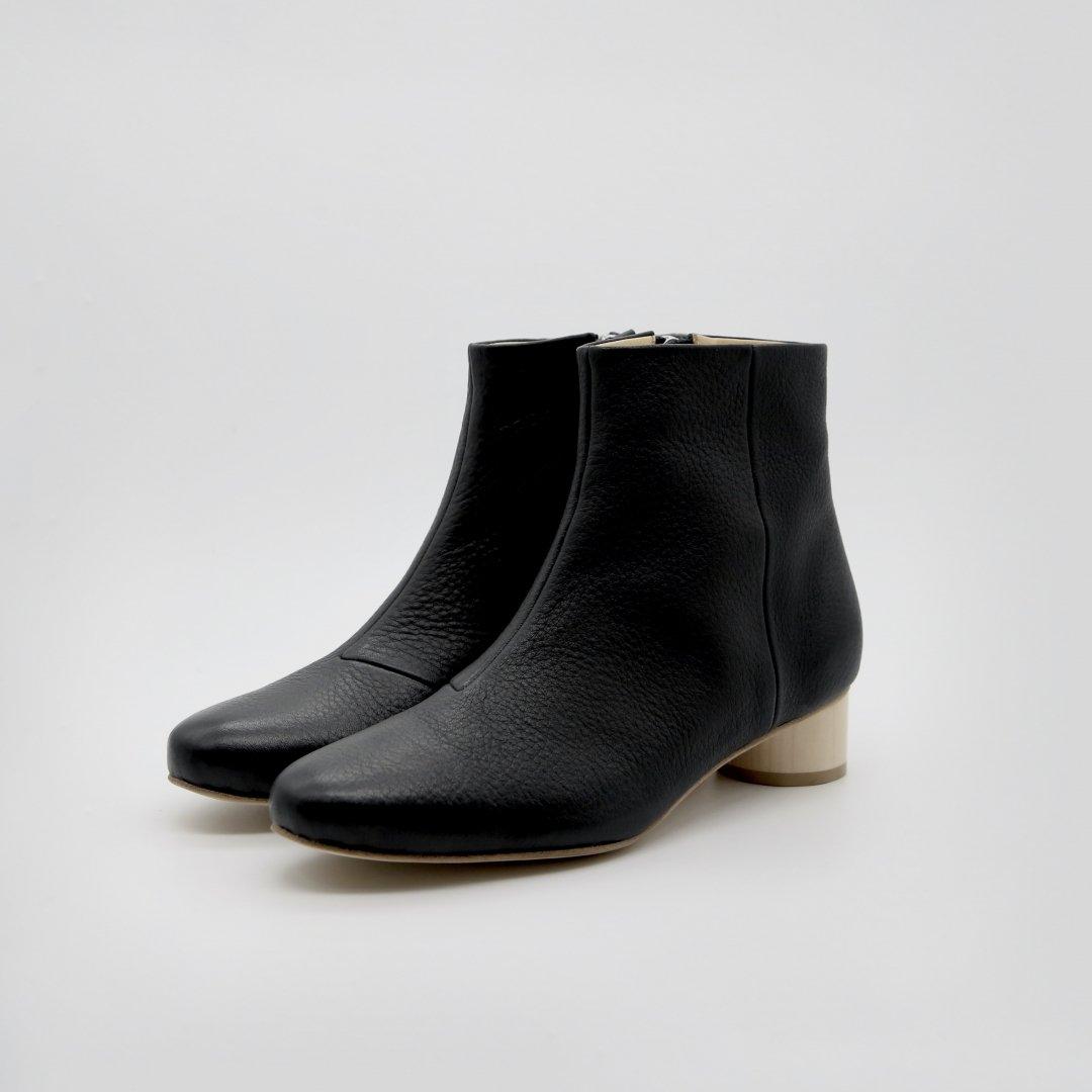_Fot<br />wood heel boots 35_shrink (circle)