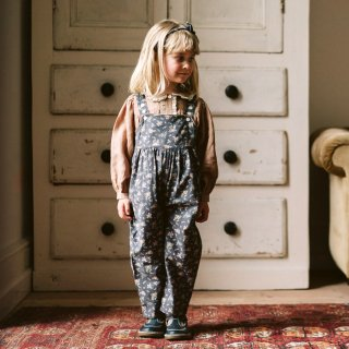 <img class='new_mark_img1' src='https://img.shop-pro.jp/img/new/icons7.gif' style='border:none;display:inline;margin:0px;padding:0px;width:auto;' />Little Cotton Clothes | Margo Dungarees winter blue<br>12-18m〜4-5y