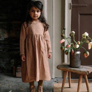 <img class='new_mark_img1' src='https://img.shop-pro.jp/img/new/icons7.gif' style='border:none;display:inline;margin:0px;padding:0px;width:auto;' />NELLIE QUATS   Hopscotch Dress   Rose & Caramel Check Linen   18-24m〜7-8y