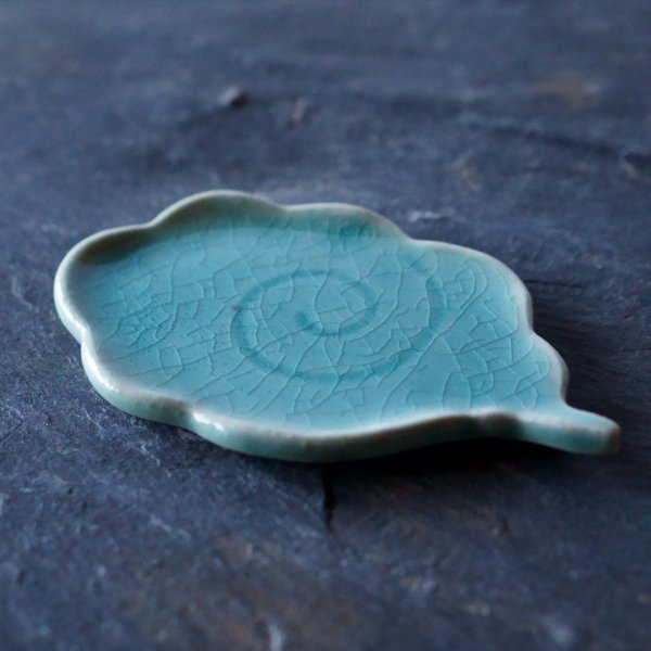 流れる雲皿|氷青
