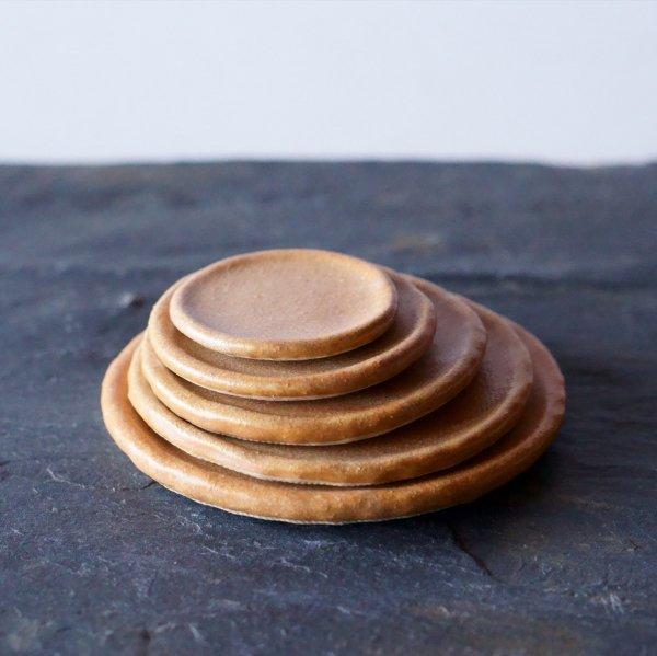 石木花の皿|びわ