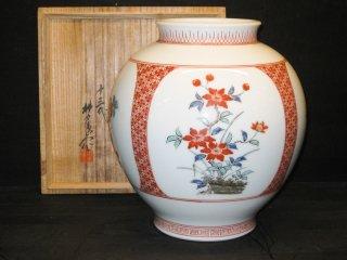 国家重要無形文化財指定十三代柿右衛門作 錦草花文様花瓶